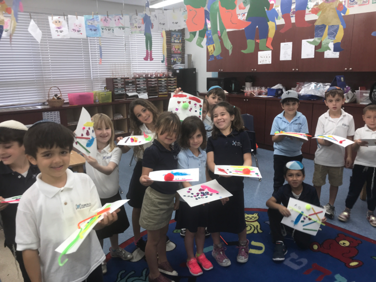 Kindergarteners Participate in Ray of Light Program for Children with Disabilities